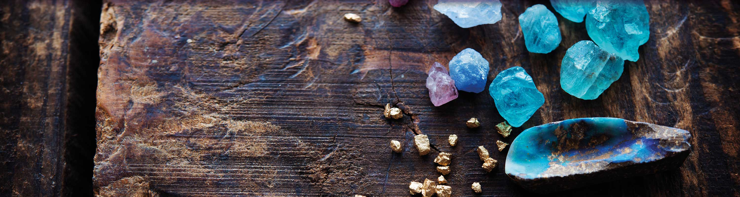 Minerals & gemstones keeping their power and energy for you.